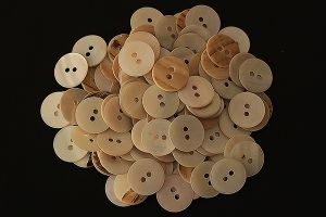 Beige and brown mother of pearl buttons, 15mm