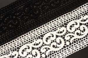 Wide swirl style cotton lace